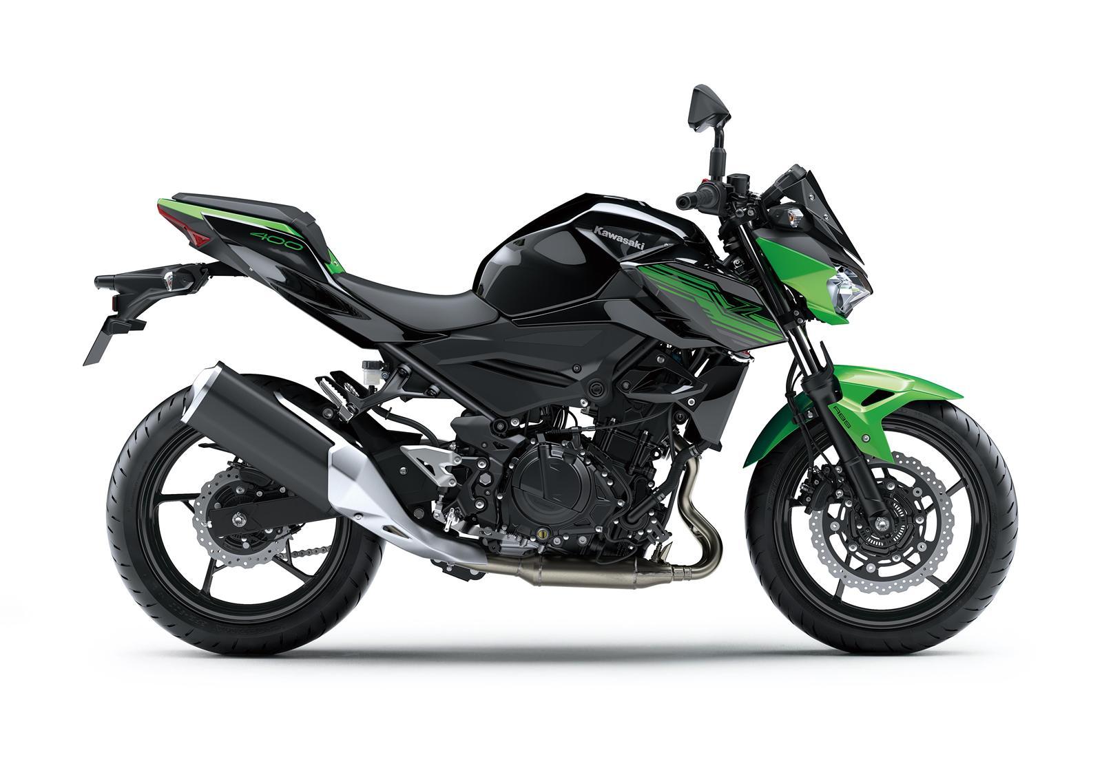 Kawasaki Z400 2019 action 10