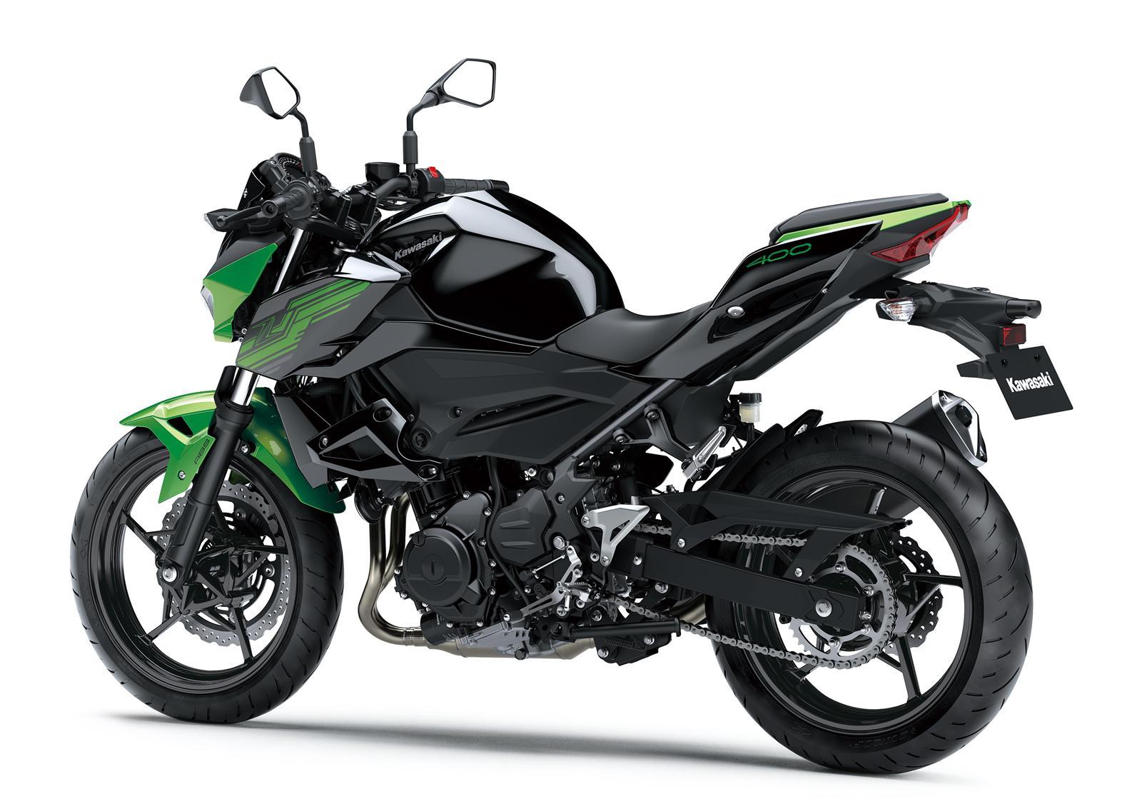 Kawasaki Z400 2019 action 8