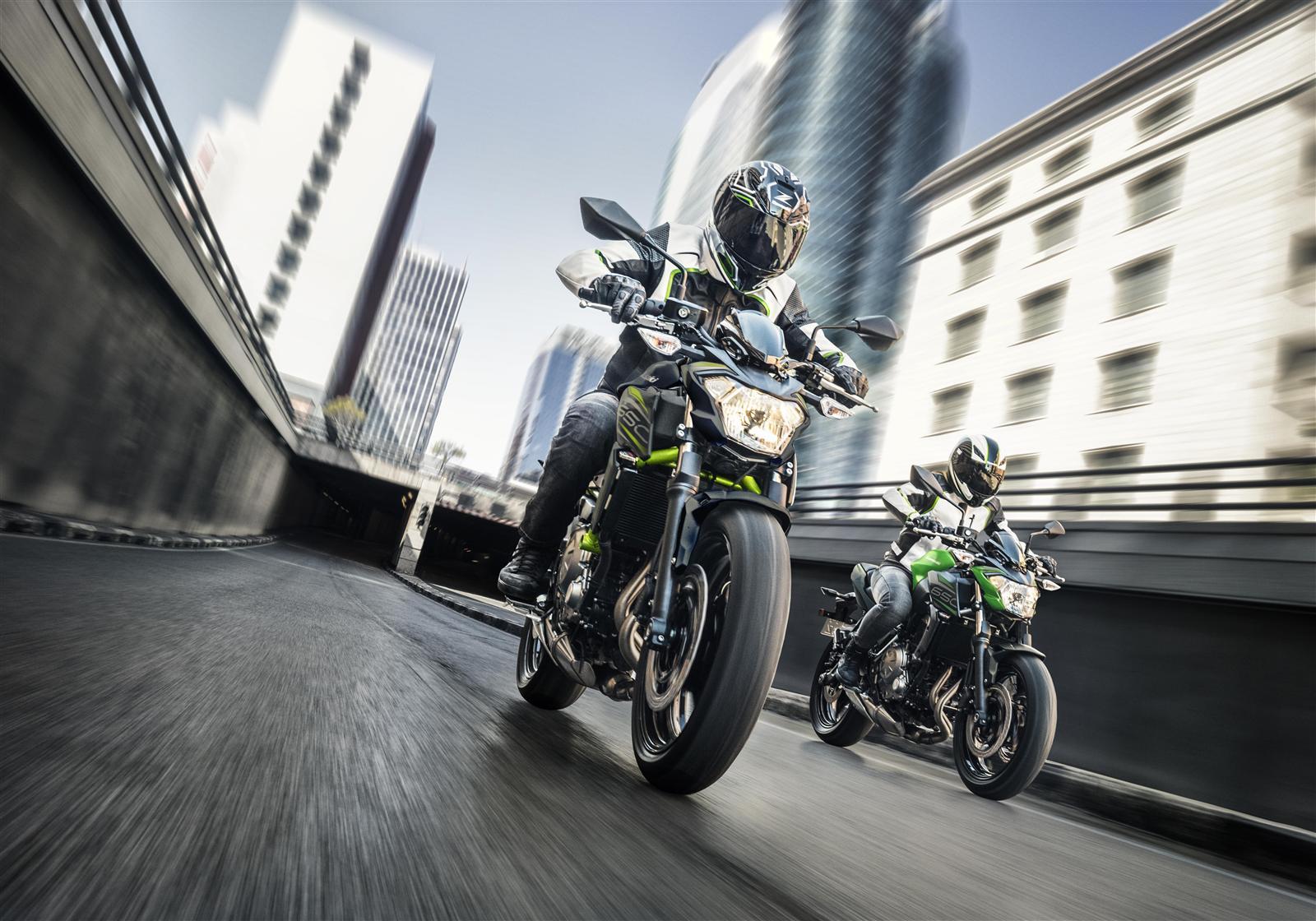 Kawasaki Z650 action 1
