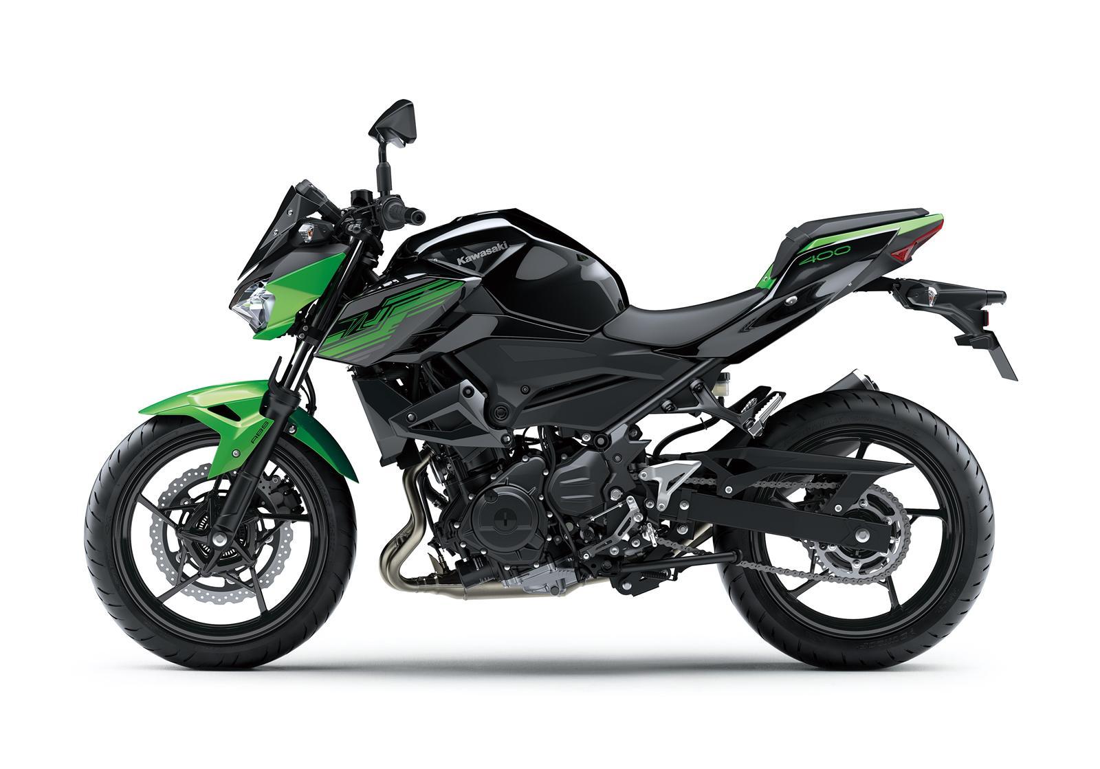 Kawasaki Z400 2019 action 9
