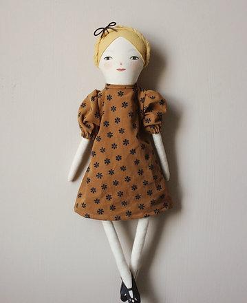 Pippa - Midi size doll