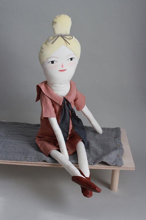 Mavis - maxi doll