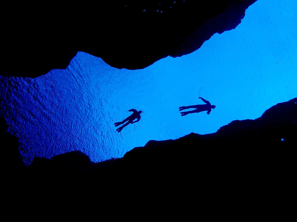 Silfra Fissure, diving between two continents