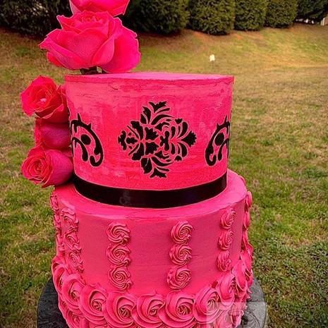 Dare To Be Pink 🍰! ~ ~ ~ ~ #pinkcake #b