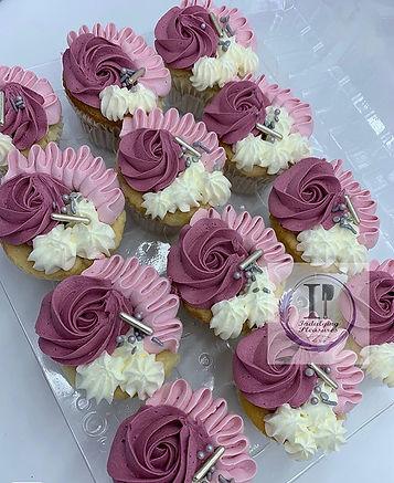 💜🧁 ~ ~ ~ ~ ~ #cupcakes #cupcakesofinst