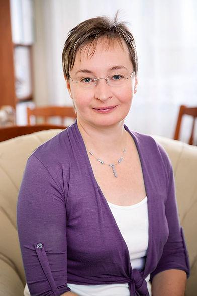 Dr._Prezenszki_Zsuzsanna_a_rendelőben_