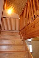 escalier montant au 2ème étage