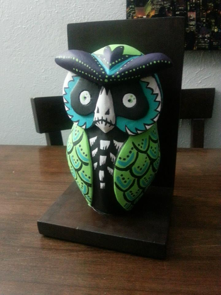 Muertos Owl Bookend.jpg