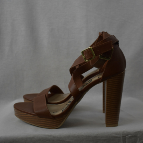 Womens Shoes - Size 9