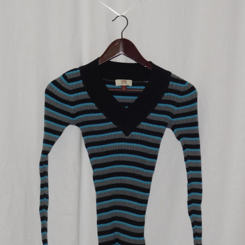Girls Long Sleeve Shirt-Small