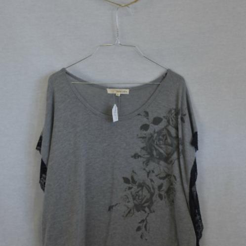 Woman's Short Sleeve Shirt - M