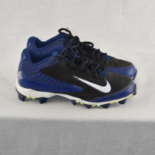 Boys Cleats - Size 4