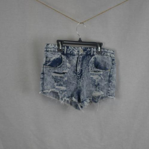 Woman's Shorts - Size 11