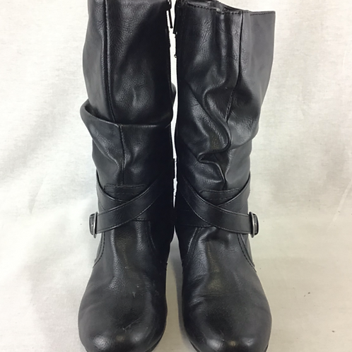 Girls Boots - Size 4