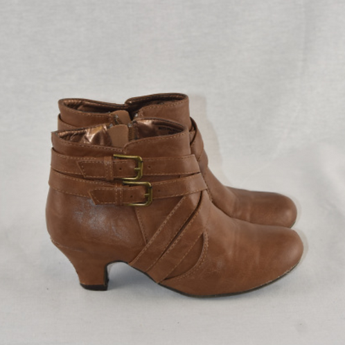 Girls Boots - Size 2.5