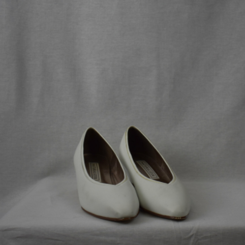 Womens Shoes - Size 7.5