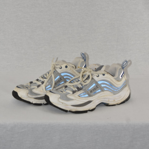 Womens shoes, size 5.5