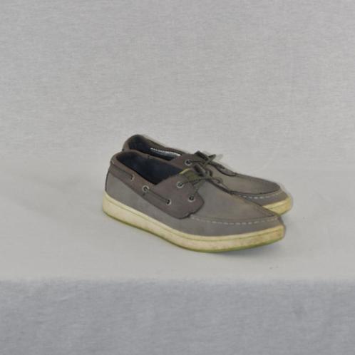 Boys shoes, size 3.5