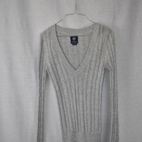 Woman's Long Sleeve Shirt - M