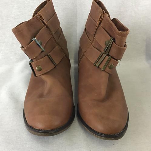 Women's Shoes - Size 9