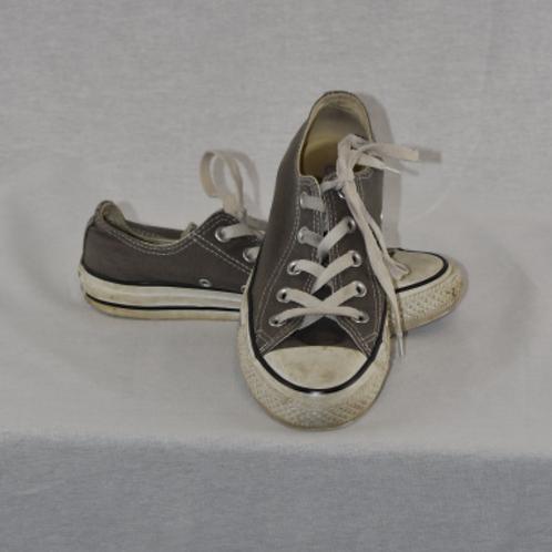 Boy's Shoes - Size 4