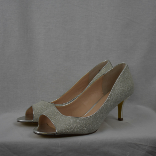 Womens Shoes - Size 9M
