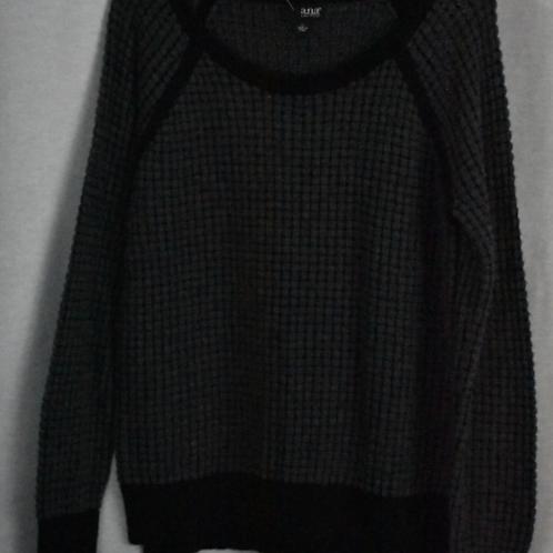 Womens Sweater, Size L
