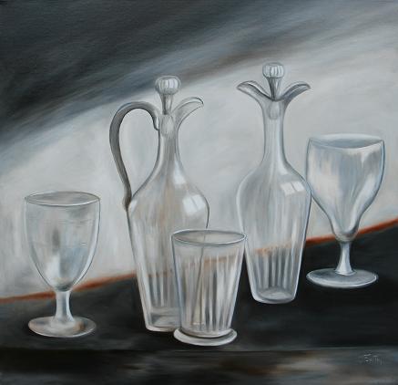 261-objets en verre sur fond gris.