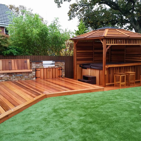 Cedar-decking-stone-cladding-seating-gaz