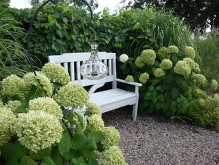 Garden Benches-An added attraction to your Garden