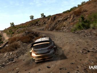 Profi-Rennfahrer machen Probefahrt in WRC 8