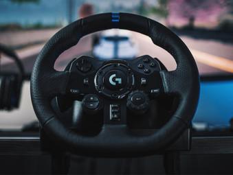 Logitech G923 Trueforce Lenkrad für PS5