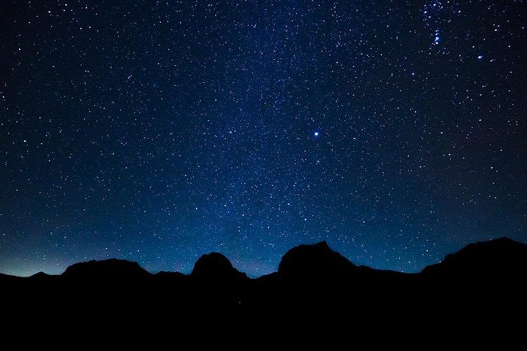 starry-sky-1946936_960_720.jpg