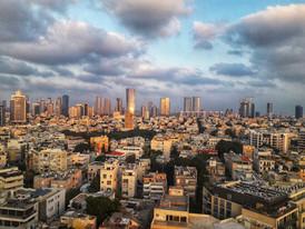 טיול בישראל מדריך טיולים תל אביב בשקיעה.