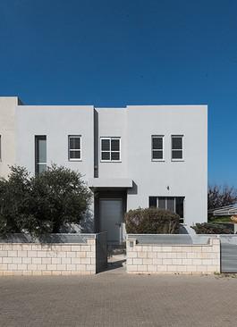 בית באבן יהודה (1) - אורלי ברנח.jpg