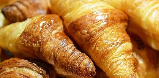 croissant-101636_1280.jpg