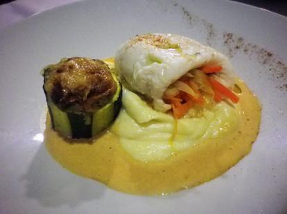 Filet de plie aux petits légumes, crème de langoustine, purée de panais