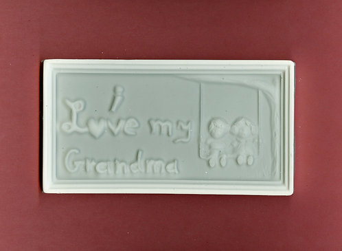 """I love my grandma"" plaque plaster of Paris painting project."