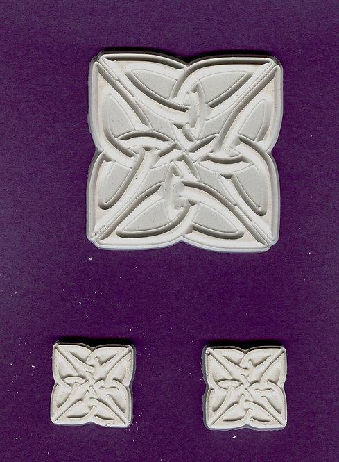 Design flower/Celtic knot mix plaster of Paris painting project.