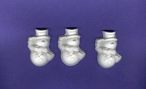 Round body snowmen plaster of Paris painting project.