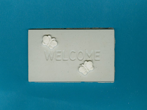 """""""Welcome"""" plaque w/butterflies plaster of Paris painting project."""