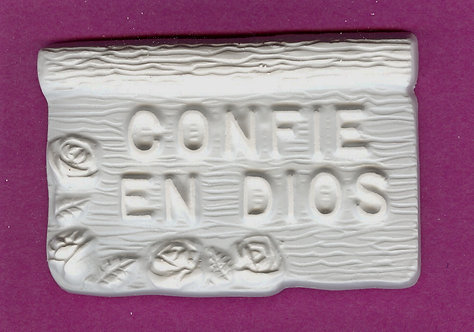 Trust in God plaster of Paris painting project, Spanish