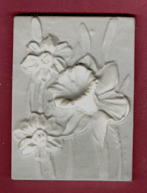 Flower tile #6: Daffodil plaster of paris painting project.