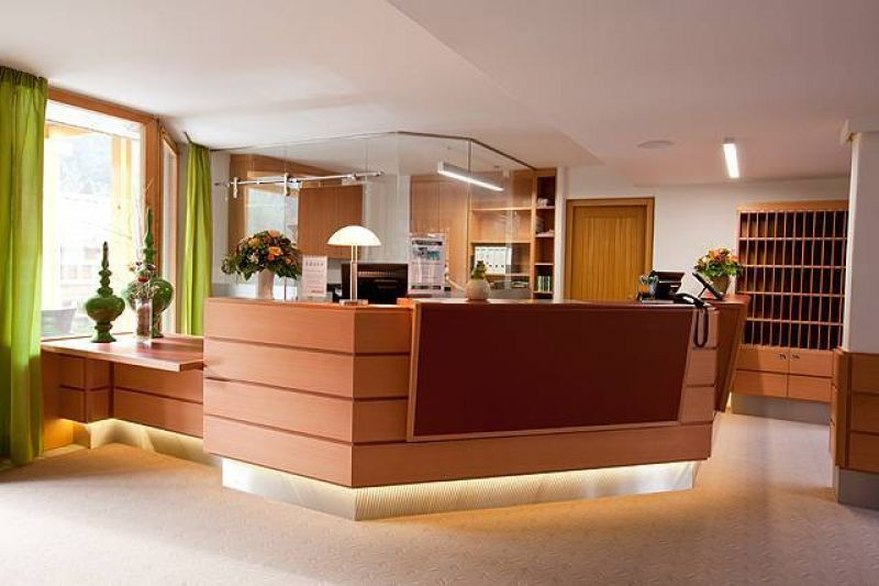 33_hotel_waldeck_rezeption_high_big.jpg