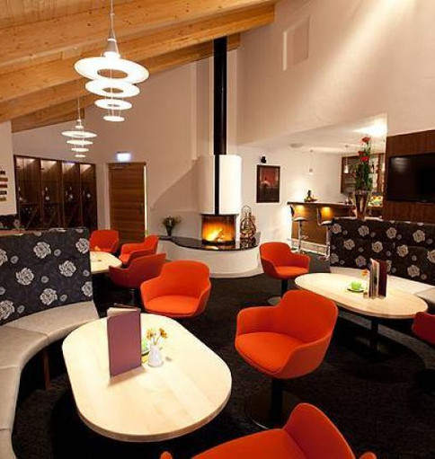 33_hotel_waldeck_cafe_high_big.jpg