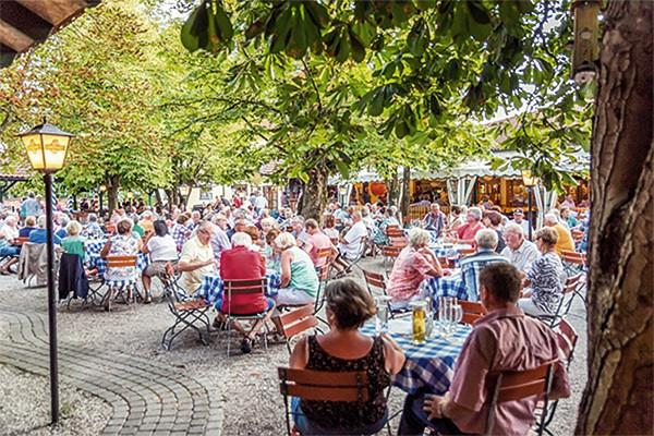 Maiers-Burgwirtschaft-Biergarten.jpg