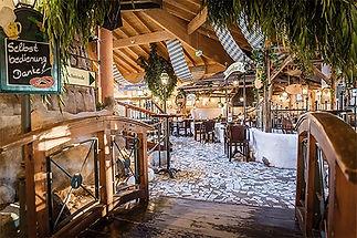 Maiers-Burgwirtschaft-Bar.jpg