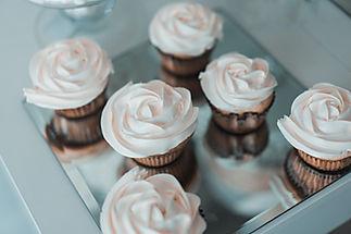 dessert table buttercream cupcakes
