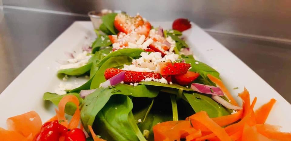 Lisas-Lakehouse-House-Salads-BG