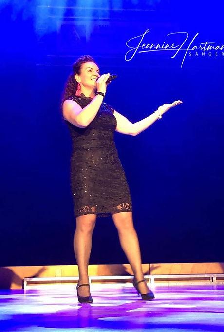 Sängerin Jeannine Hartmann